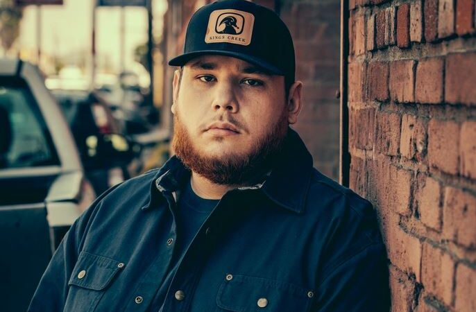 Luke Combs Fortune 2021: Âge, Taille, Poids, Petite Amie et Rencontres
